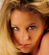 http://photos.modelmayhem.com/photos/091205/17/4b1b0c255becf_m.jpg