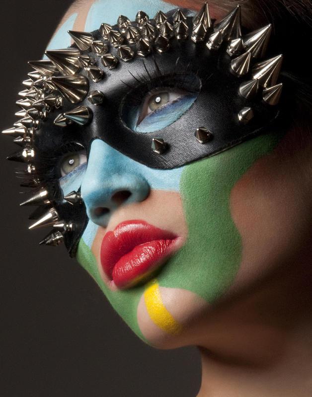 Soho, NYC Dec 06, 2009 Photographer: Noelle Hernandez Model: Natalie Gal Styling: Maki obara