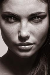 http://photos.modelmayhem.com/photos/091207/12/4b1d69103b071_m.jpg