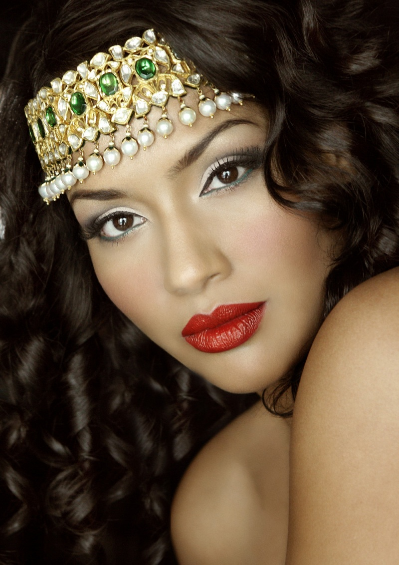 Dubai, UAE Dec 08, 2009 Hussein Photographer Indian Beauty