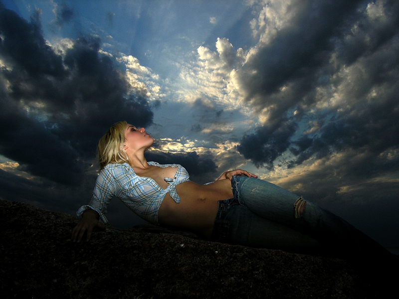 New York Dec 09, 2009 copyright © 2010 Precision Light + Chaos Nicole Herold, approaching thunderstorm.