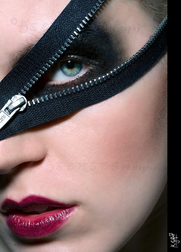 Dec 12, 2009 © MiGel, MiGel-Photo.com Zipper 1