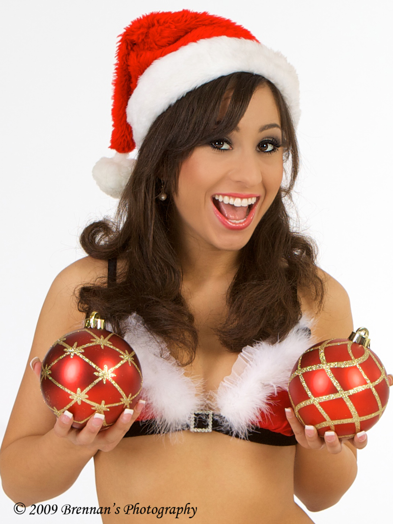 Southern California Dec 15, 2009 Brennans Photography Grabbin Some Holiday Cheer!