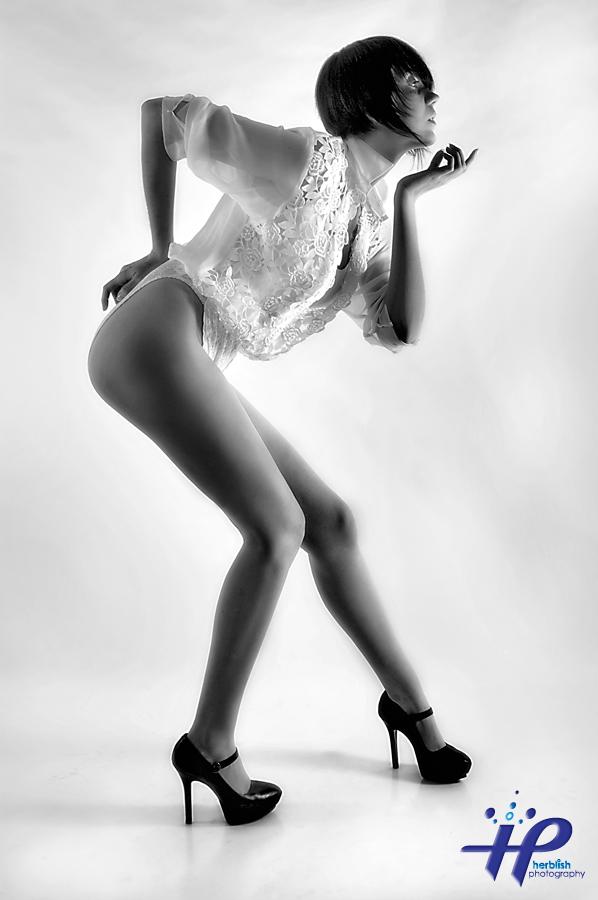 HERBELICIOUS STUDIOS Dec 16, 2009 ©2009 Herbie Martin White on White - Engel Schrei (Winner of POtD & Concept Legs)