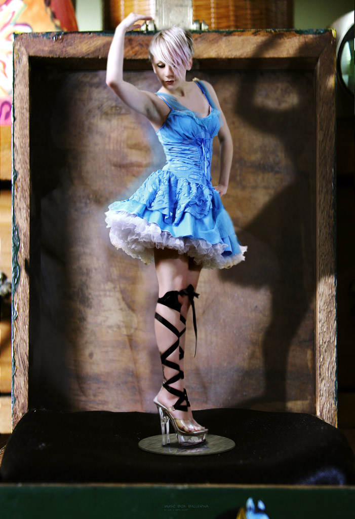 Dec 20, 2009 mol Music Box Ballerina