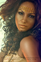 http://photos.modelmayhem.com/photos/091225/18/4b3570c07c82d_m.jpg