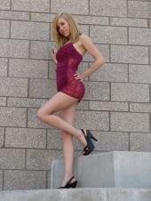 http://photos.modelmayhem.com/photos/091228/00/4b386f24eecaa_m.jpg
