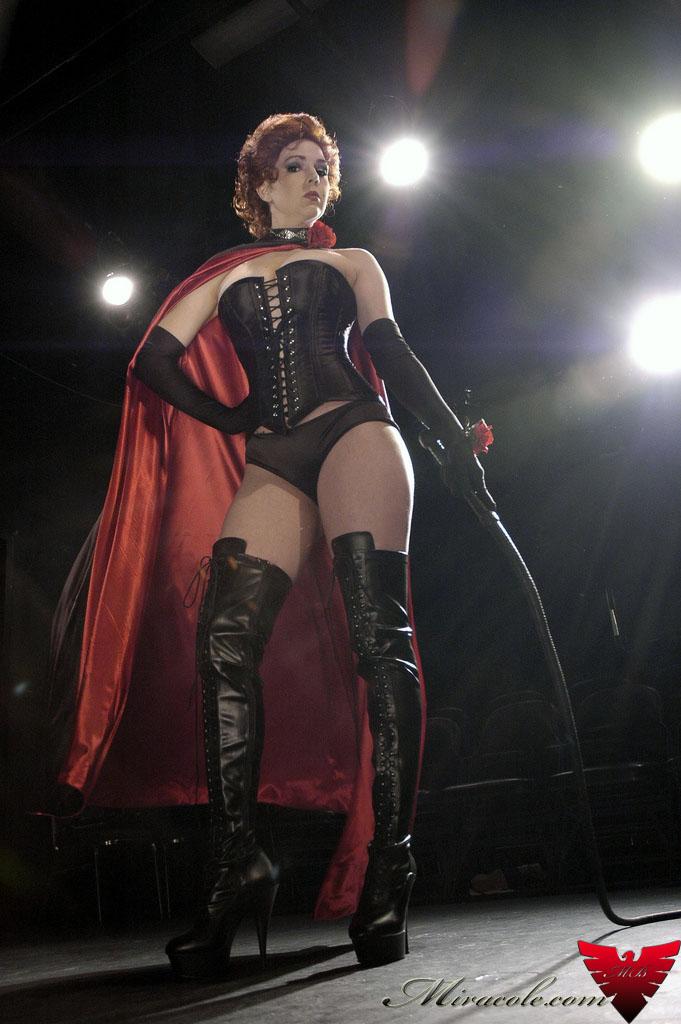 Atlanta, GA Dec 30, 2009 Miracole Burns and Nice Shot Ted Black Queen X-men