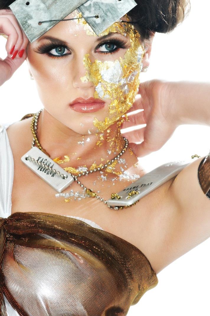 Jan 03, 2010 Haute Magazine