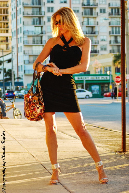 Pompano Beach FL Jan 06, 2010 Claude Taylor Shopping