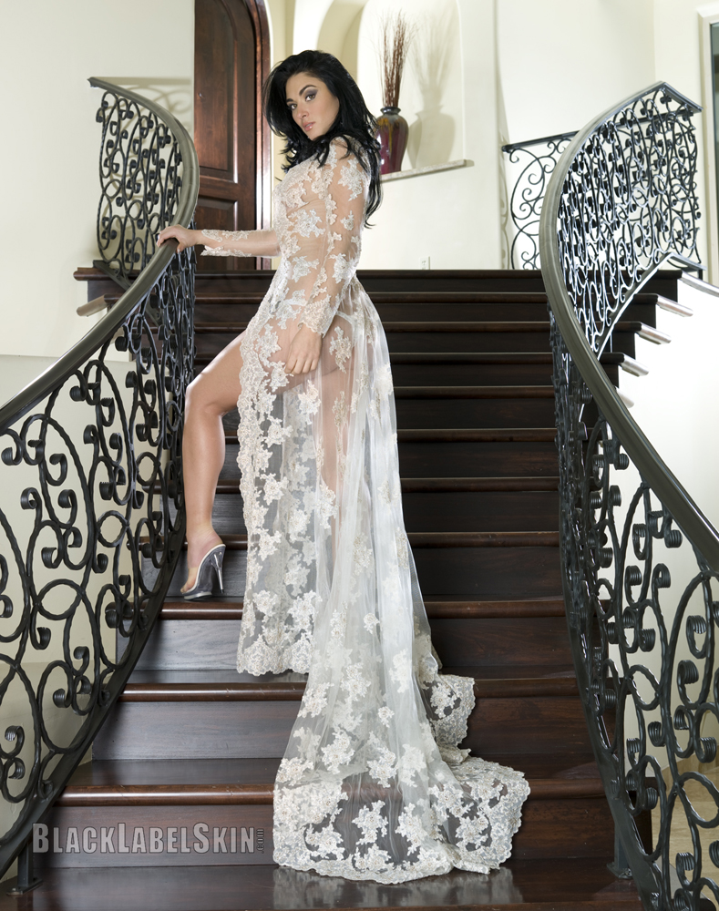 Phoenix Residence Jan 07, 2010 Michael Anthony Glamour Lola Laren -- Lace Gown for BLS