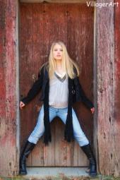 http://photos.modelmayhem.com/photos/100111/15/4b4bb0f141a52_m.jpg