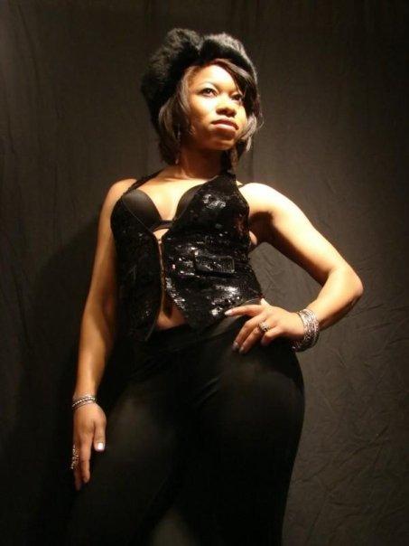 Female model photo shoot of Carren D
