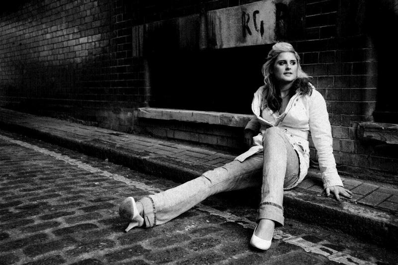 Female model photo shoot of Anne louise Wallace in london