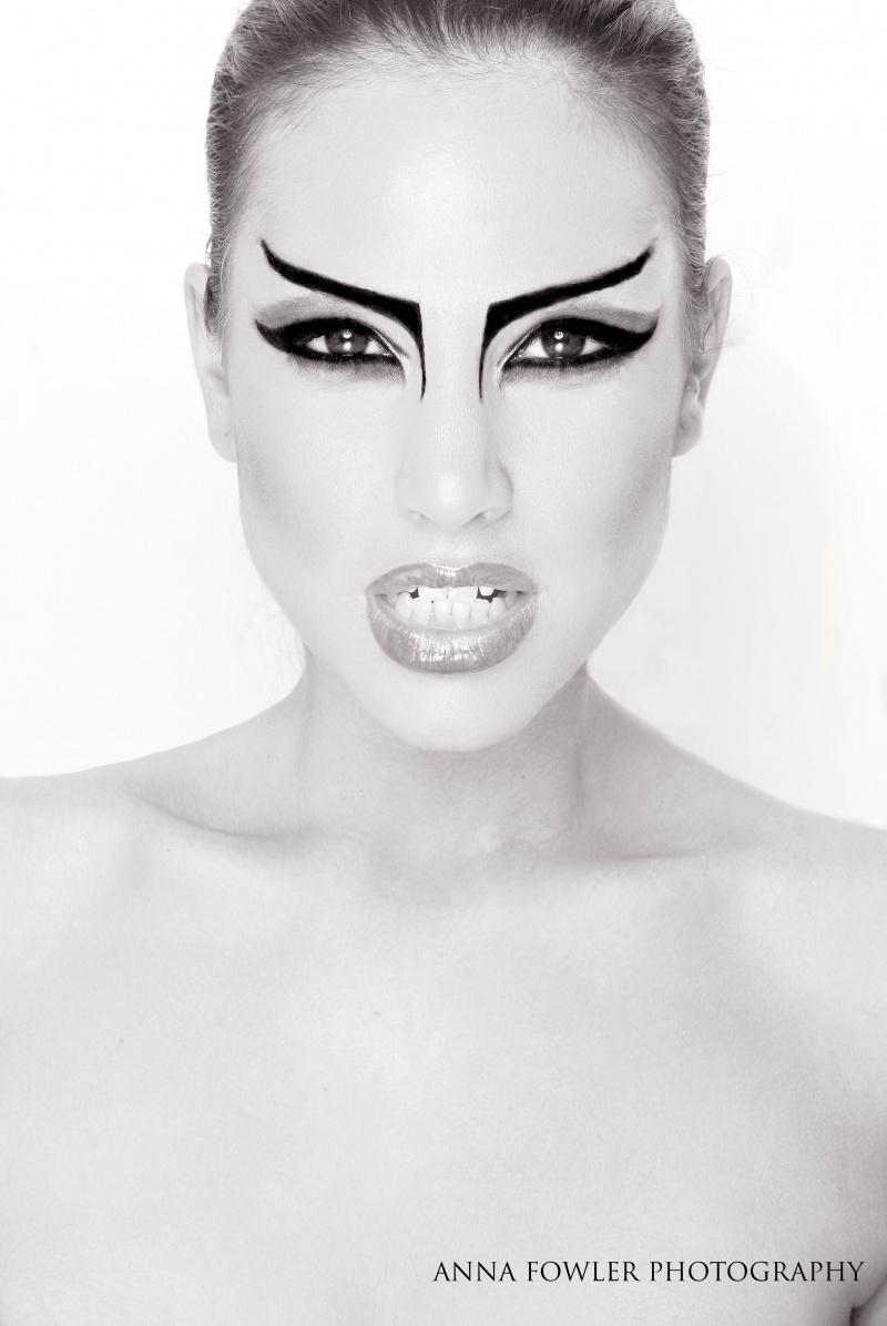 Jan 27, 2010 Anna Fowler Photography Melissa, make up: Carmen Lebrasse