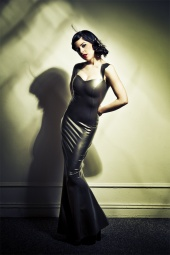 http://photos.modelmayhem.com/photos/100130/09/4b6468ee1ed61_m.jpg