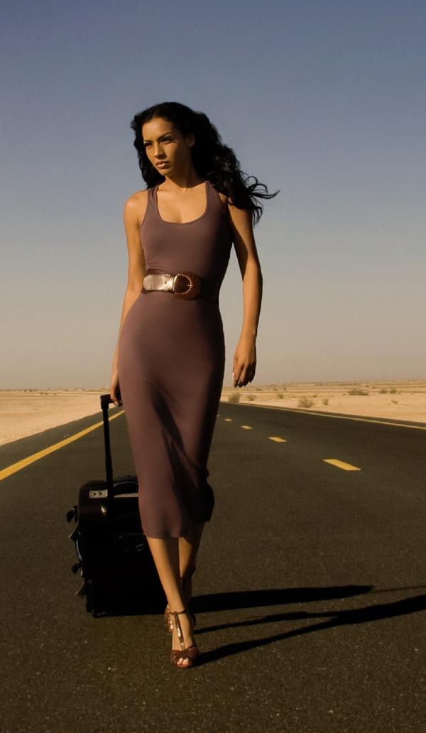 Dubai, UAE Jan 30, 2010 Macod Photographer Desert Breakdown Editorial 6