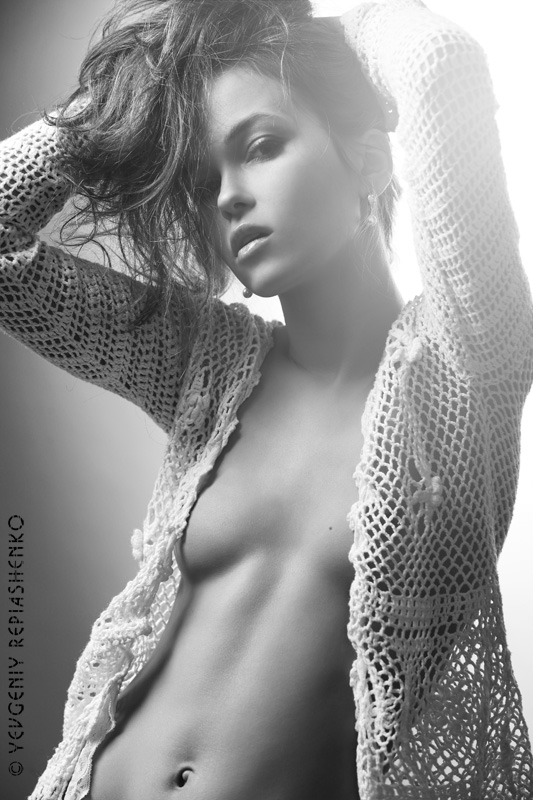 Female model photo shoot of Alenka