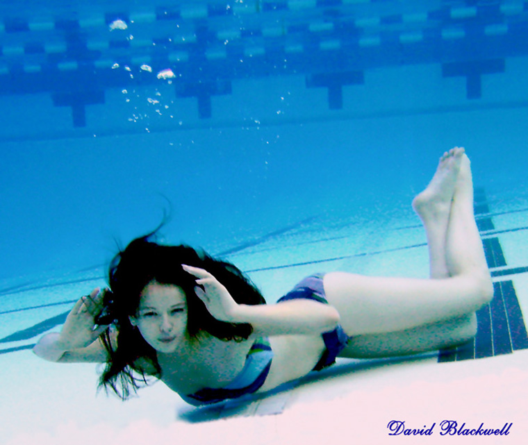 Outdoor PooL Feb 05, 2010 Underwater Pose Choreographed by David Blackwell aka Mer-Man Posing Underwater Is Sexy!!