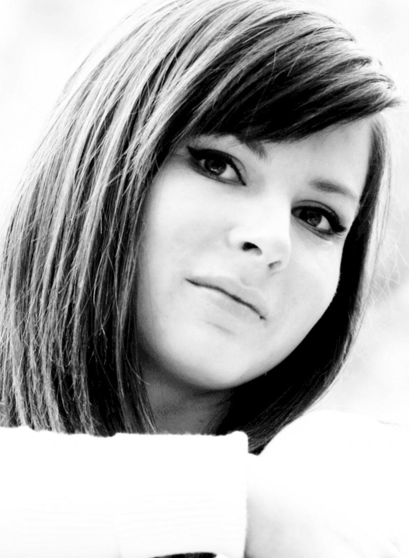 Female model photo shoot of Elodie Brady