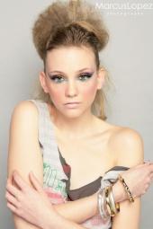 http://photos.modelmayhem.com/photos/100211/19/4b74c88423df1_m.jpg