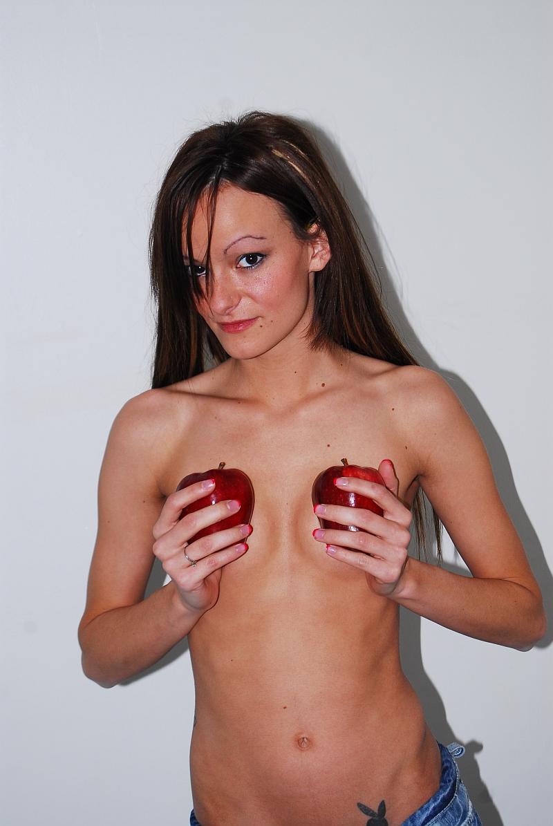 Feb 14, 2010 Apple 2