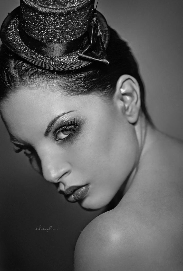 http://photos.modelmayhem.com/photos/100217/07/4b7c080d82242.jpg