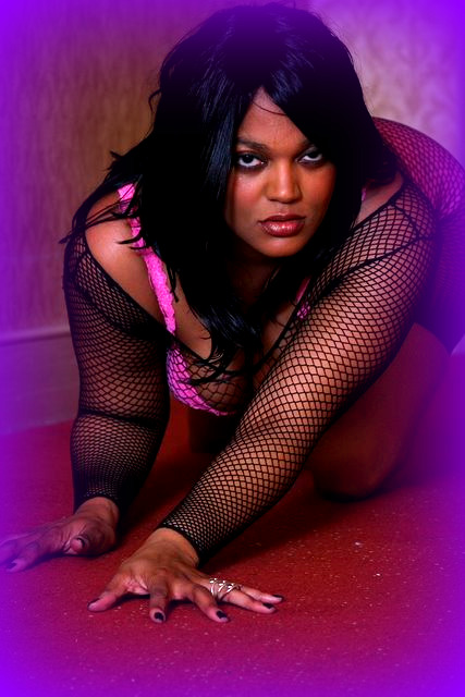 Female model photo shoot of Angelz