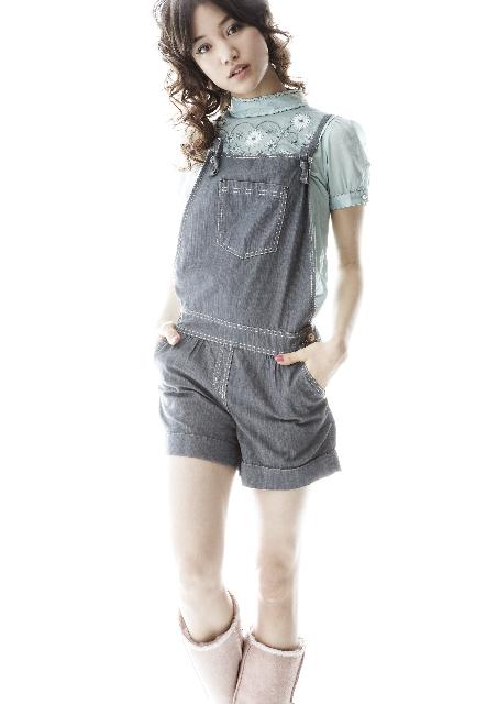Female model photo shoot of Emily Kaiho