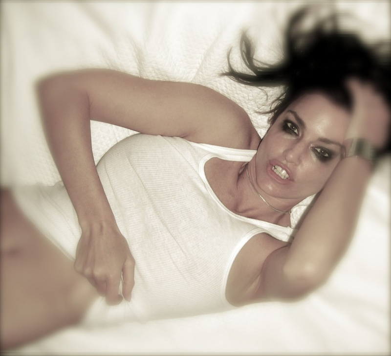 http://photos.modelmayhem.com/photos/100303/12/4b8ec4cf7edc7.jpg