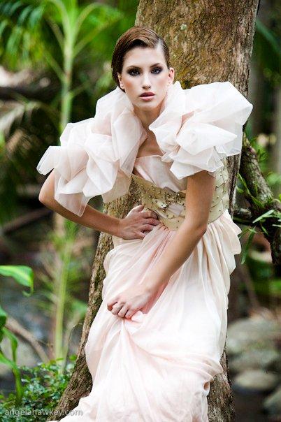 Female model photo shoot of Elizabeth Rogers