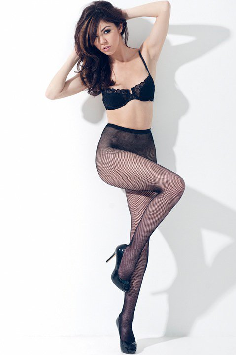Female model photo shoot of Natalia Morris by Dan Lippitt