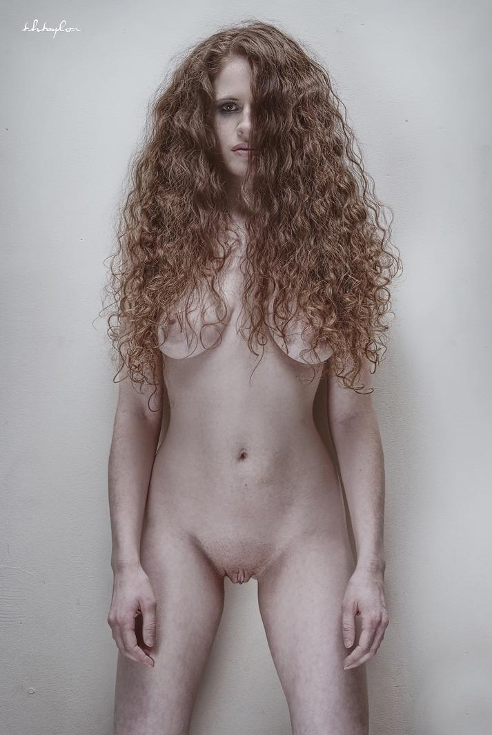 nude-pics-by-model-mayhem