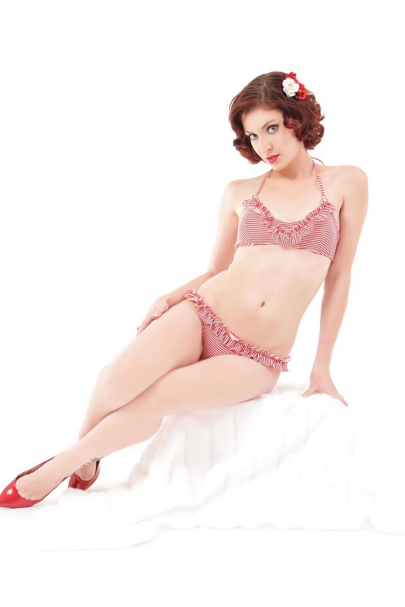 Female model photo shoot of Tani Thompson