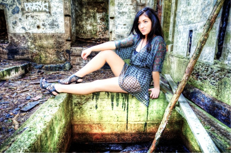 Female model photo shoot of Shara Bledsoe