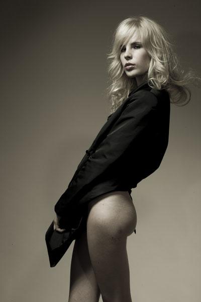 Female model photo shoot of ludmilla