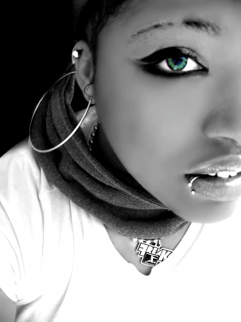 Mar 14, 2010 kikibphotography  Self Portrait - Green