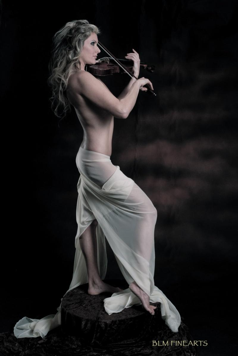 HIghland Pk, IL Mar 16, 2010 BLM Finearts violin goddess