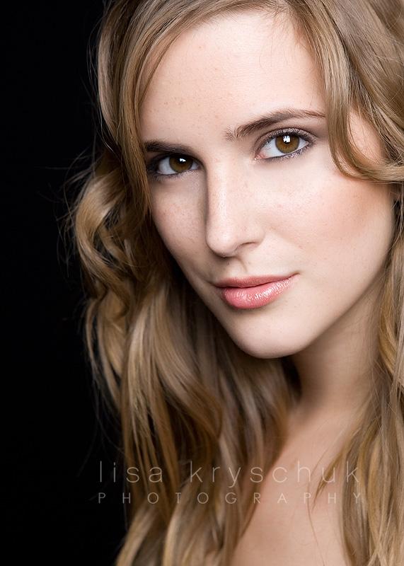Female model photo shoot of Jelisa Loren