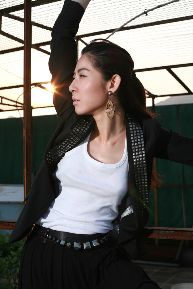 Female model photo shoot of Nadya Lam by garyleung