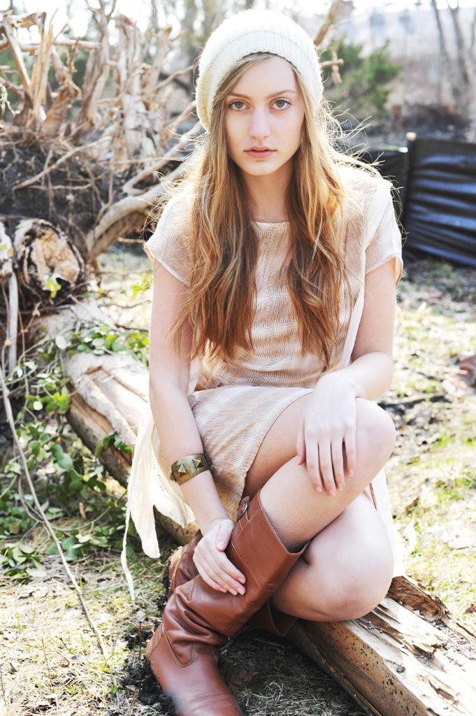 Female model photo shoot of Liz Herbert by EMF Photos