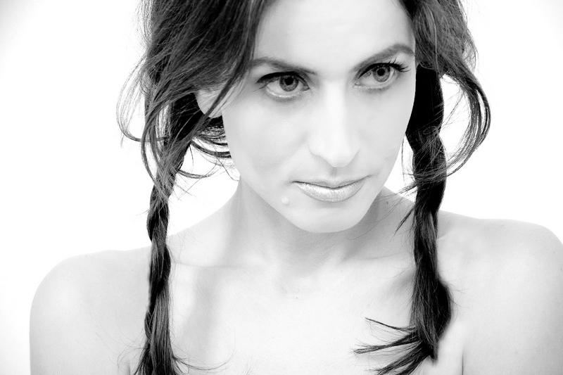 Mar 31, 2010 Anna Bennett, MUA - Lou Diamond A girl with pigtails ...