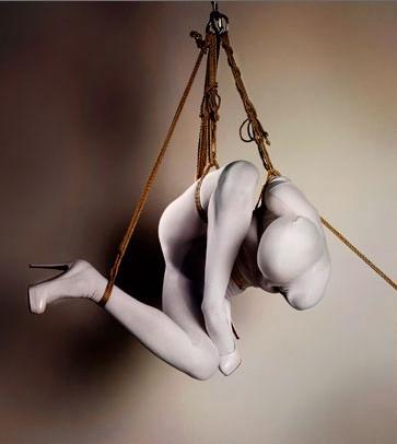 Female model photo shoot of october, art by Esinem