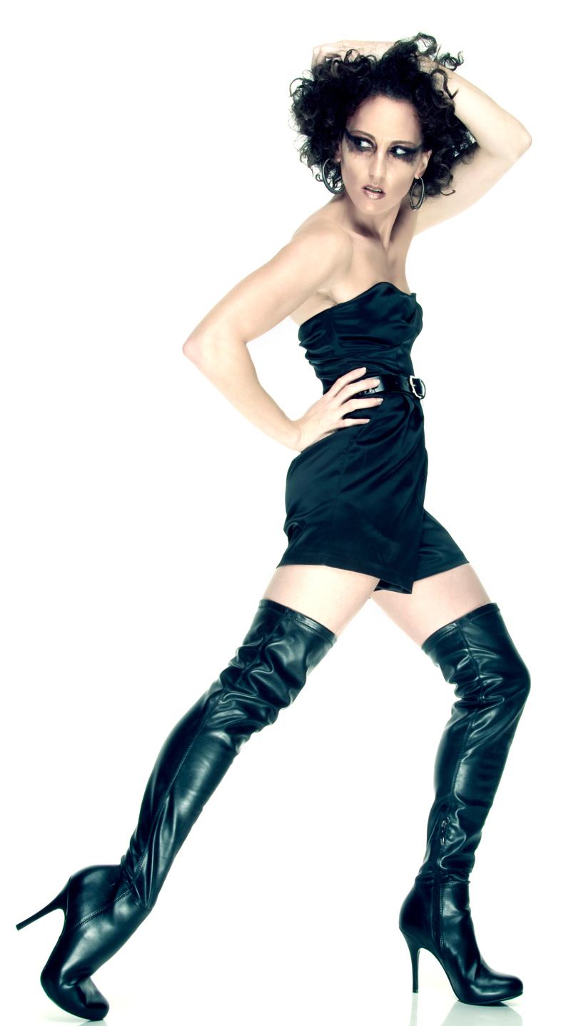 Apr 04, 2010 J Eston Hot f-n boots!