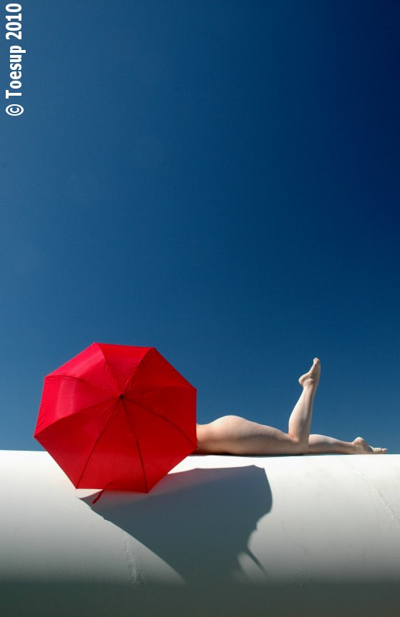 Shandon, Ca Apr 06, 2010 Toesup Red Umbrella