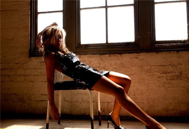 Female model photo shoot of NatalieElizab3th