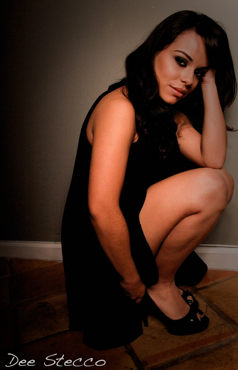 Apr 16, 2010 Love Lives Here Photography Photographer: Dee Stecco, Love Lives Here. Makeup: Dunia Pearce-Rivero