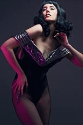 http://photos.modelmayhem.com/photos/100422/12/4bd09e23eb67e_m.jpg