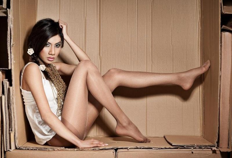 Female model photo shoot of Tan Yasmin