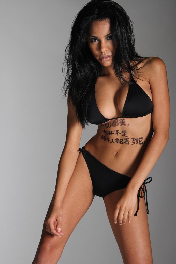 Female model photo shoot of Aarendy